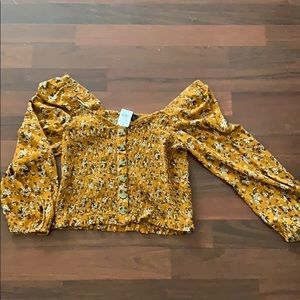 NWT Off the shoulder floral crop top